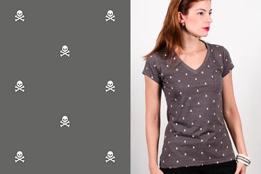 Camiseta  Skulls - Gola V